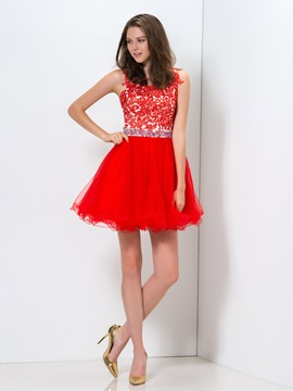 Pretty Scoop Neck Appliques Beaded A-Line Short Red Homecoming Dress