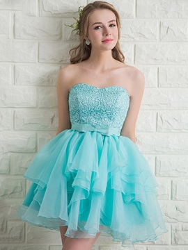 Sweetheart A-Line Tiered Lace Bowknot Homecoming Dress
