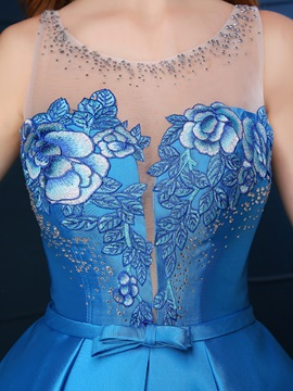 Chic Straps Beading Bowknot Embroidery Tea-Length Homecoming Dress