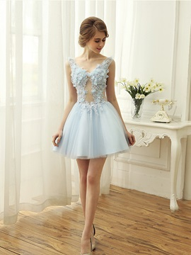 Lovely V-Neck Flowers Appliques Short Homecoming Dress