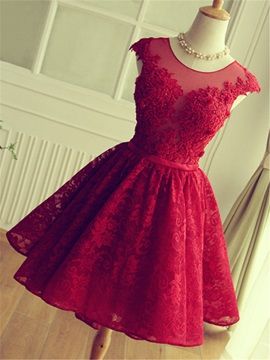 Pretty Straps Appliques Beading Lace Homecoming Dress