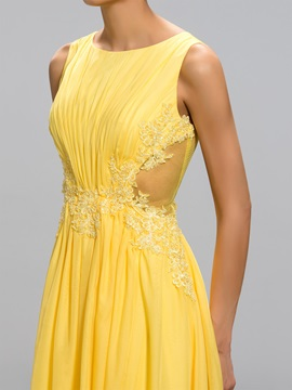 Elegant A-Line Bateau Neckline Appliques Tulle Back Asymmetrical Evening Dress Designed