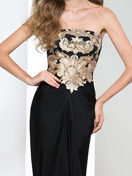 Graceful Strapless Appliques Sheath Black Evening Dress
