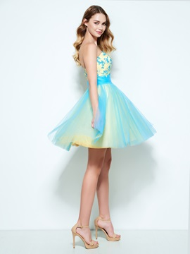 Beautiful Sweetheart Appliques Short Homecoming Dress