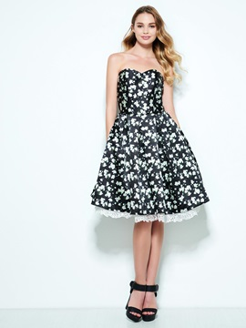 Modern Sweetheart Hollow Floral Print Homecoming Dress