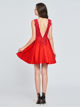 A-Line V-Neck Appliques Backless Homecoming Dress