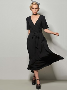 V-Neck Half Sleeve Expansion Day Dress