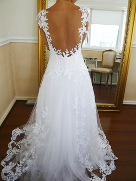 V-Neck Cap Sleeves Lace Appliques Backless Wedding Dress