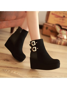 Suede Buckles Round Toe Wedge Boots