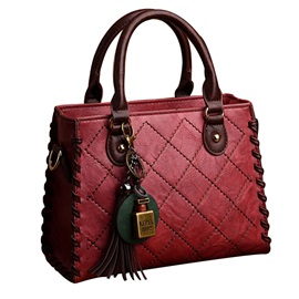 Quilted Lining Tassel Design Zipper Satchel