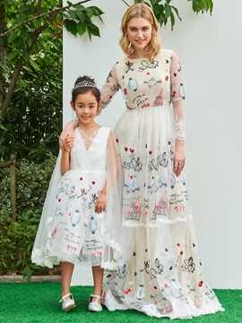 Unique Embroidery Lace Long Sleeves Evening Dress