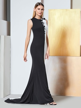 Scoop Appliques Sheath Beaded Evening Dress