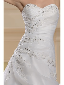 Fantastic Sweetheart Beading A-Line Chapel Wedding Dress