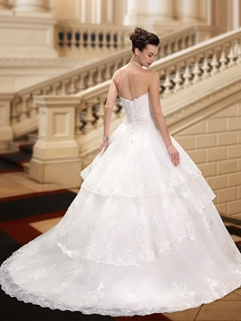Eye-catching Strapless Lace Appliques Ball Gown Wedding Dress