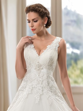 Comely V-Neck Appliques Sequins Wedding Dress