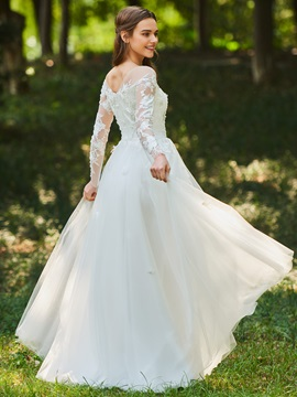 Illusion Neck A-Line Appliques Wedding Dress