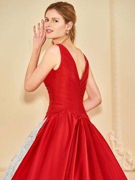 V-Neck Appliques Ball Gown Red Wedding Dress