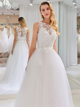 Lace Appliques Ball Gown Wedding Dress