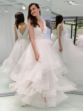 Straps Tiered Flowers Lace Wedding Dress