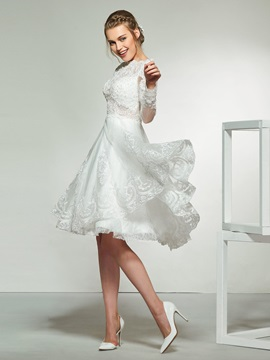 Knee-Length Appliques Long Sleeve Wedding Dress
