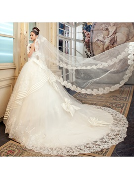 Terrific Strapless Floor-length Ball Gown Lace Wedding Dress