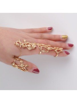 Fashion Leaves Hollow Out Women Ring