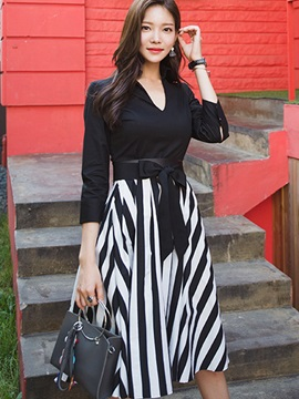 Vertical Striped 3/4 Sleeve V-Neck Day Dress