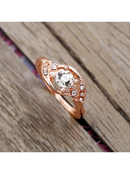 Sparkling Round Zircon Inlaid Rose Gold Wedding Ring