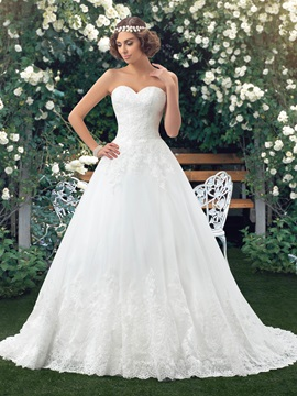 Dazzling Strapless Sweetheart A-Line White Lace Wedding Dress & simple Free Shipping Sale