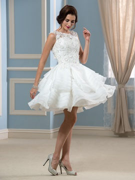 Sexy Appliques Lace Tiered Short Knee-Length Wedding Dress & romantic Free Shipping Sale