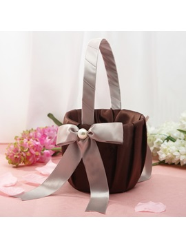 Vigorous Flower Basket in Satin With Bow