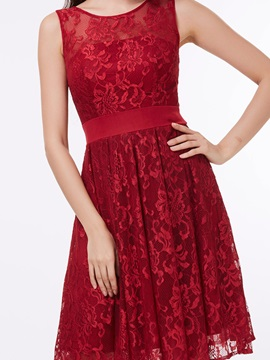 Scoop Neck Straps Knee-Length Lace Homecoming Dress
