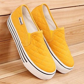 Thread Round Toe Slip-On Sneakers