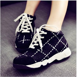 Black Plaid Lace-Up Sneakers