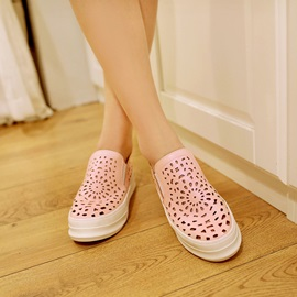 PU Cut-Out Casual Shoes