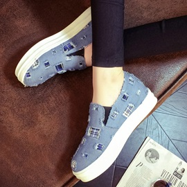Worn Round Toe Canvas Shoes