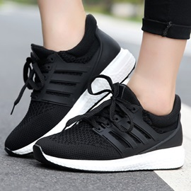 Breathable Mesh Round Toe Lace-Up Running Shoes