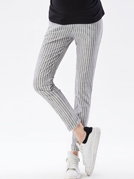 Slimming Pinstriped Materrnity Pant