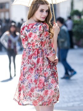 Chic Floral Half-Sleeve Maternity Dress