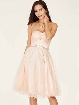 Sweetheart A-Line Beaded Lace-Up Knee-Length Homecoming Dress