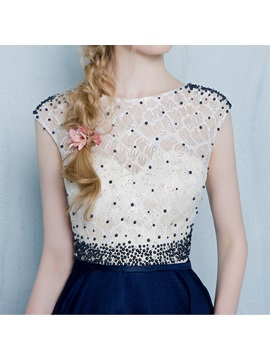 Attractive A-Line Scoop Beading Lace Short Homecoming Dress
