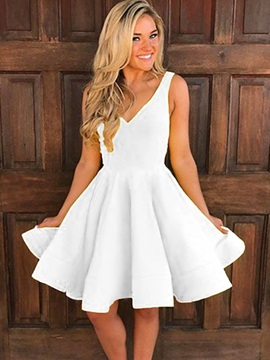 Sweet A-Line V-Neck Ruffles Knee-Length Homecoming Dress