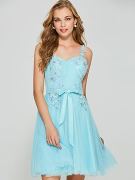 Stylish A-Line Spaghetti Straps Backless Appliques Homecoming Dress