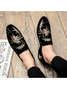 Embroidery Slip-On Pointed Toe Men's Casual Shoes