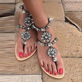 Customized Block Heel Thong Buckle Banquet Sandals