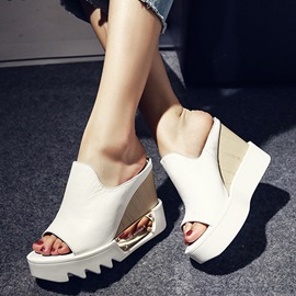Chic PU Peep-Toe Wedge Sandals