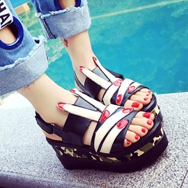 Camouflage Color Peep-Toe Wedge Sandals