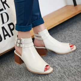 Solid Color Peep-Toe Chunky Heel Sandals
