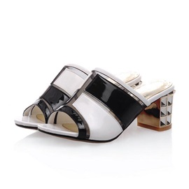 Chic Color Block Chunky Heel Sandals