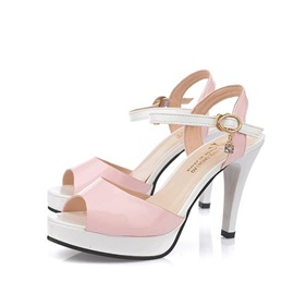 Contrast Color PU Peep-Toe Platform Sandals